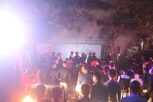 Cửa hàng tạp hóa ở Nghệ An bốc cháy dữ dội trong đêm, gây ùn tắc quốc lộ 1A