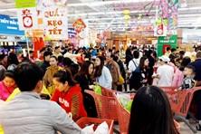 Thị trường những ngày cận Tết: Chen chân siêu thị, hội chợ