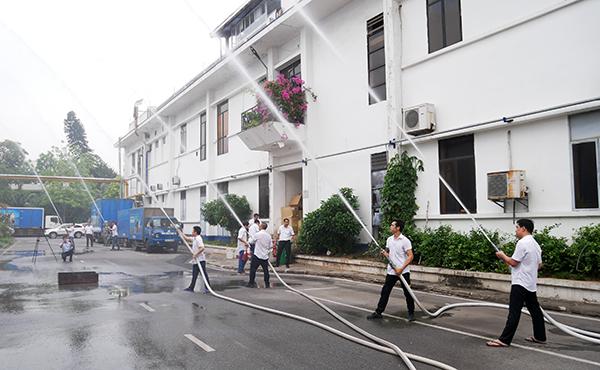 Tổng công ty May 10 tổ chức huấn luyện phòng chống cháy nổ