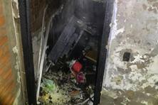 Cháy nhà trong đêm, gia đình 5 người thoát nạn