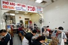 Hà Nội: Từ 14/10, nhà hàng được bán tại chỗ, xe buýt, taxi được hoạt động; quán bia vẫn đóng cửa